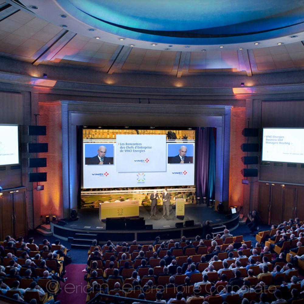 https://www.encrenoire-corporate.com/imagess/topics/vinci-energies-colloque-versailles/Vinci-Energies-Versailles-500.jpg
